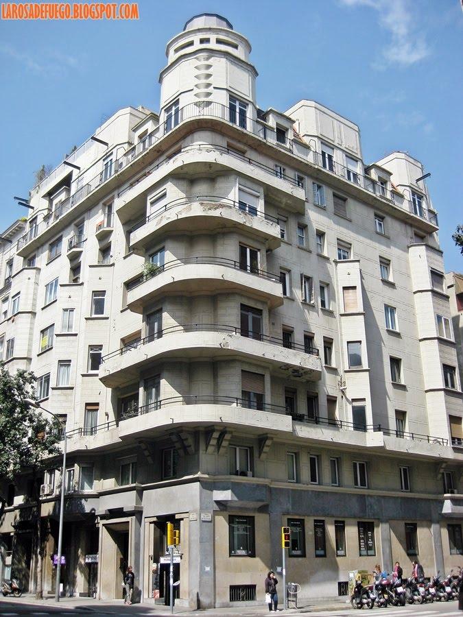 Viviendas pidelaserra el edificio que la i guerra mundial - Art deco barcelona ...