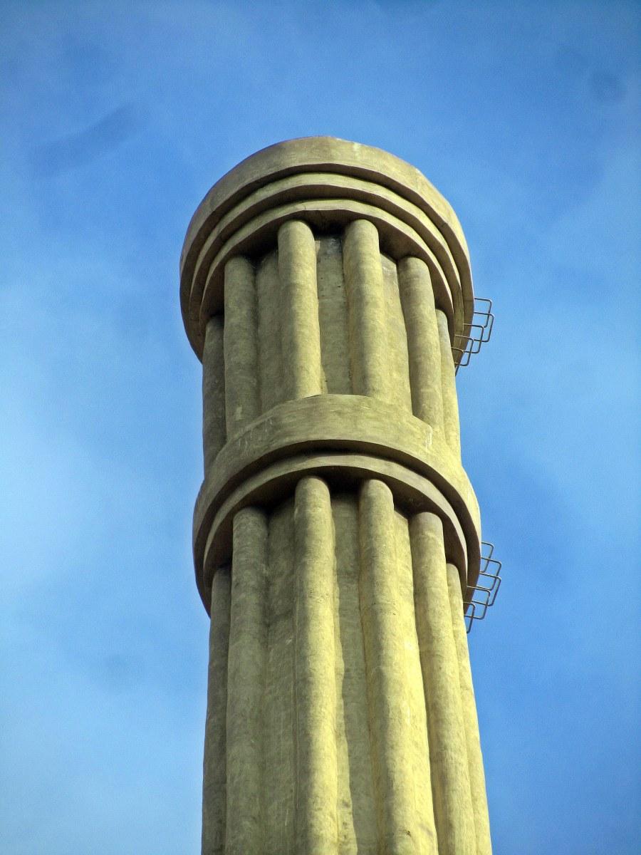 La ultima chimenea industrial de barcelona en la fabrica for Fabrica de chimeneas